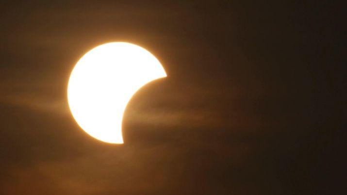 सूर्य ग्रहणका बेला गर्न नहुने १२ काम