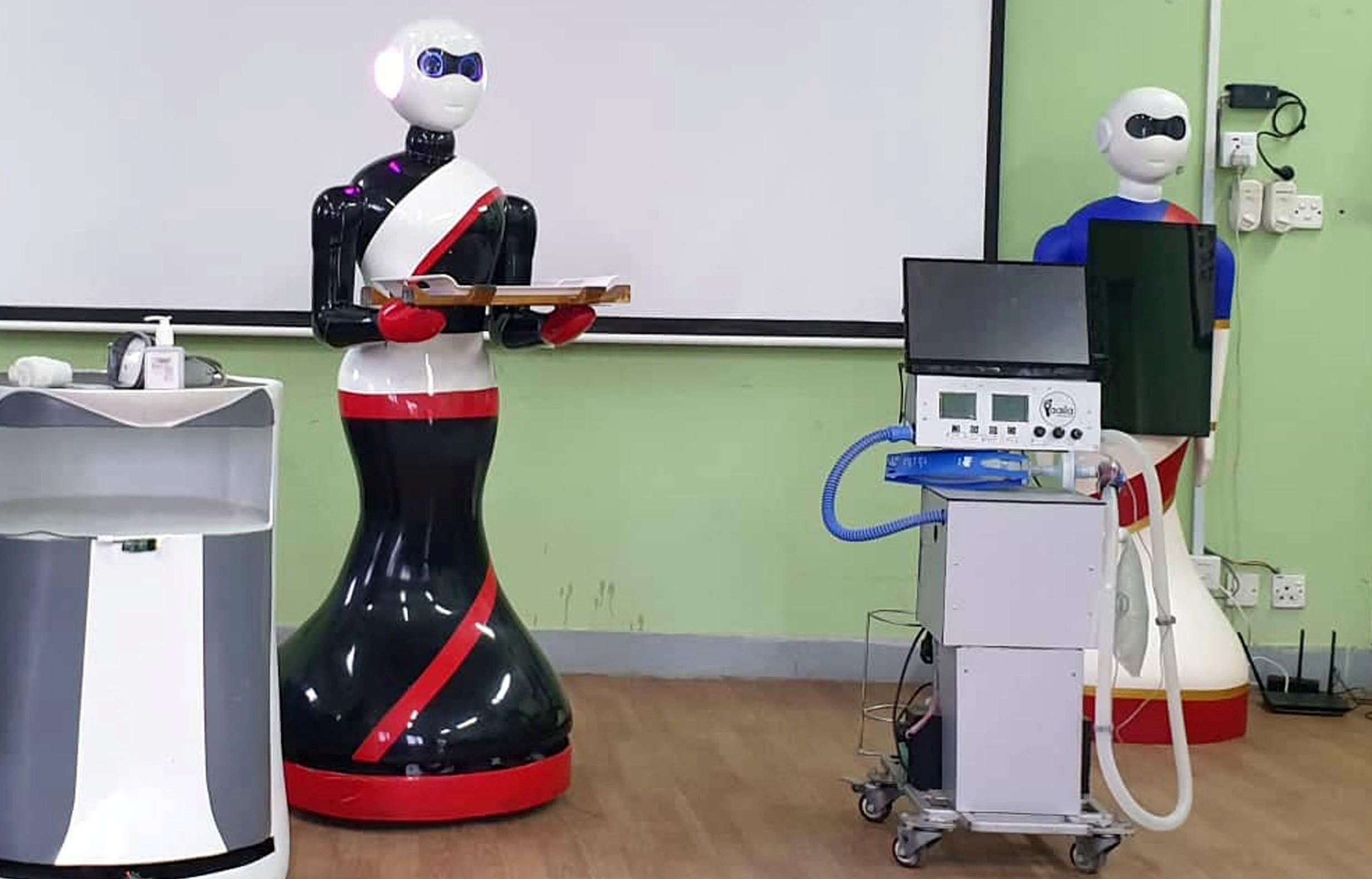 सङ्क्रमितको उपचारमा नर्सिङ रोबोट परिचालन